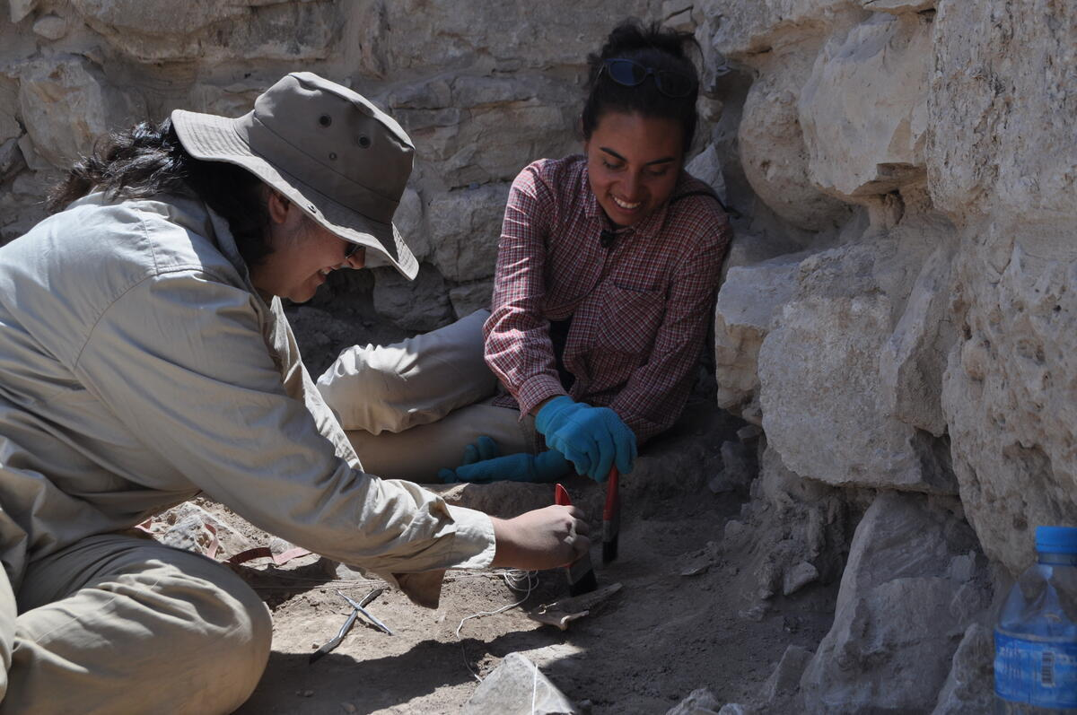 Students excavating at Dhiban, Jordan